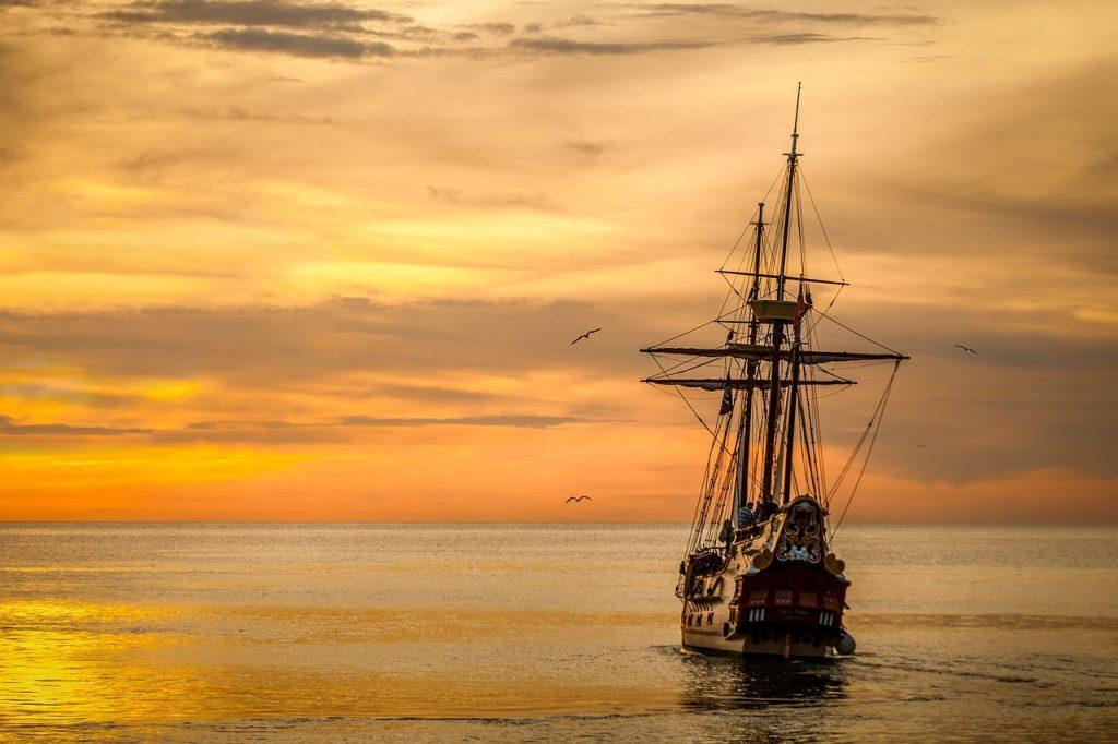 sunset, ship, sails-675847.jpg